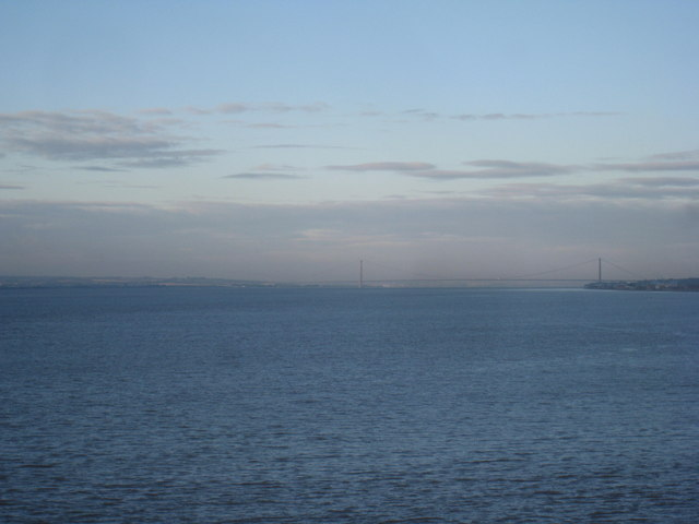 The River Humber and bridge
