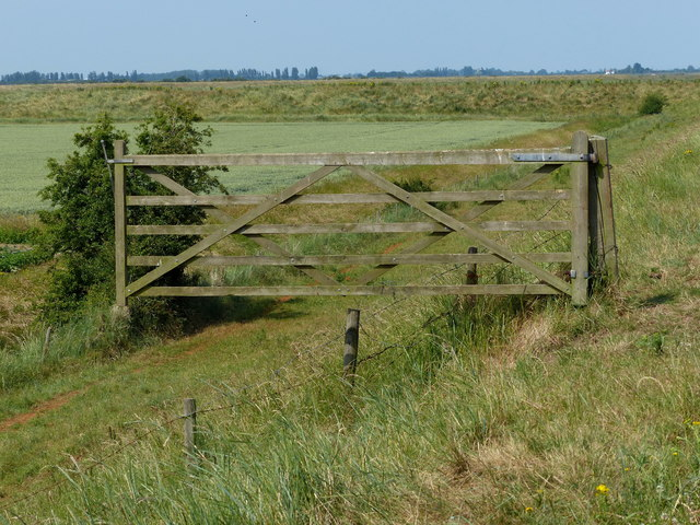 Gate on the sea bank