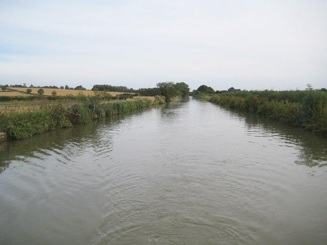 Grand Union Canal: Straight cut in Grafton Regis