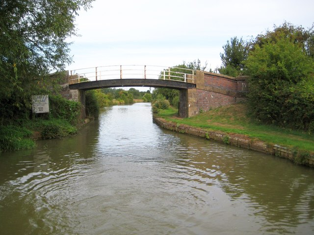Grand Union Canal: Bridge Number 61
