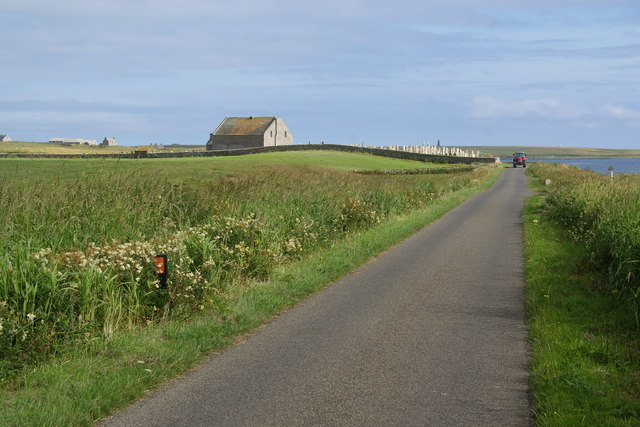 Road past St Nicholas Kirk, Holm