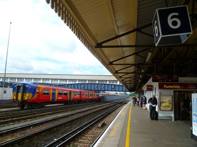 Looking along Platform 6 on Clapham Junction station towards Putney