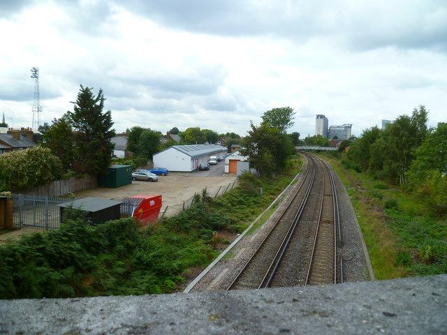 Railway line between B456 and footbridge looking west