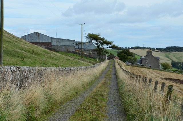 Track to Lahill Craig