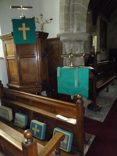Inside St Augustine of Canterbury, Upton Lovell (B)
