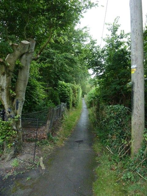 Path from the churchyard to Beechcroft Farm