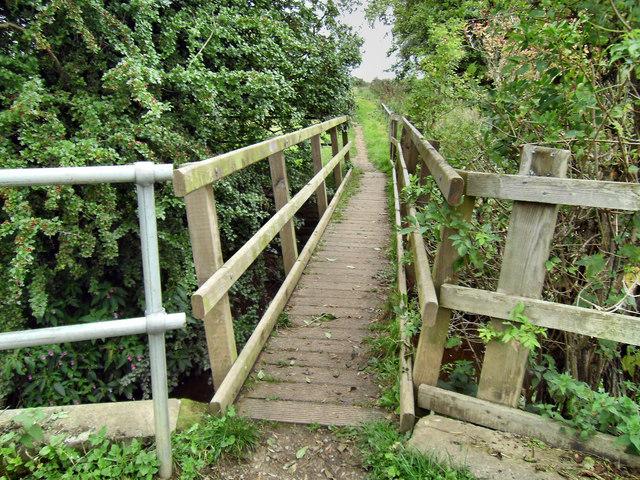 Footbridge over Ledston Beck