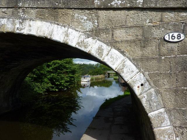 Leeds LIverpool Canal, Bridge 168