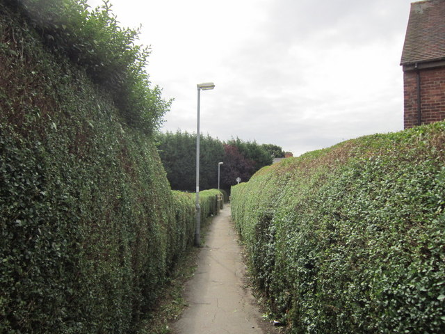 A path leading to Westbourn Avenue, Hessle