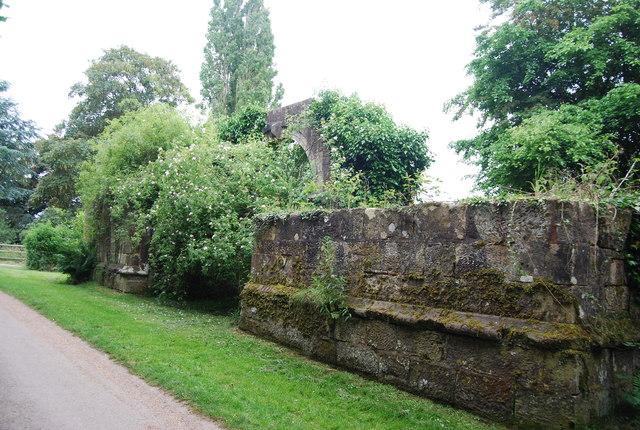 Ruins of Brambletye House