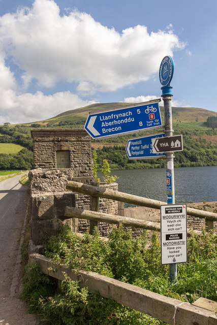 Signpost close to Talybont Reservoir, Brecon Beacons, Wales