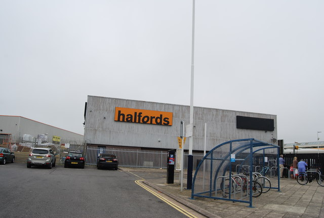 Halfords, Weymouth