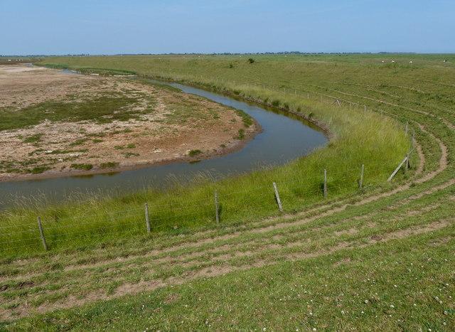 Drain behind the sea bank at Frampton Marsh