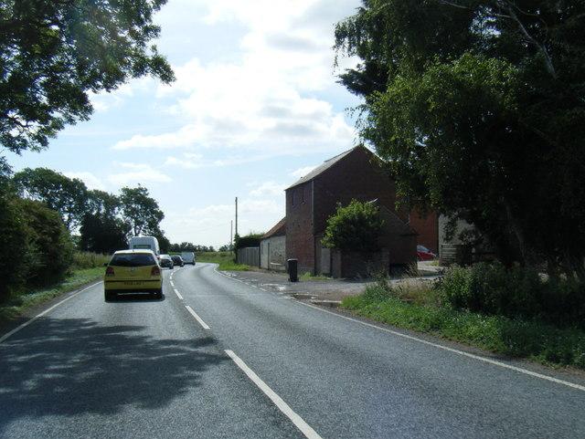 A158 Sausthorpe Road looking east
