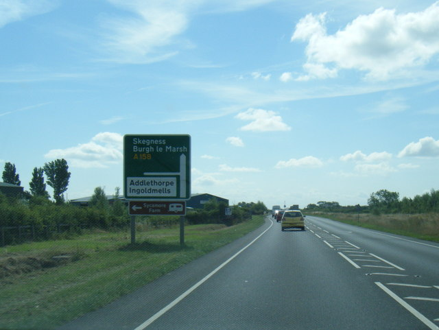 A158 eastbound nears Ingoldmells Road junction