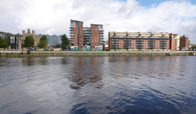 Across the river to Clyde Street