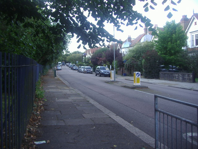 Etchingham Park Road, Finchley