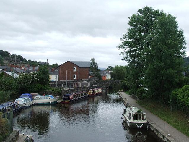 Gasworks Lane crosses the Brecon & Abergavenny Canal
