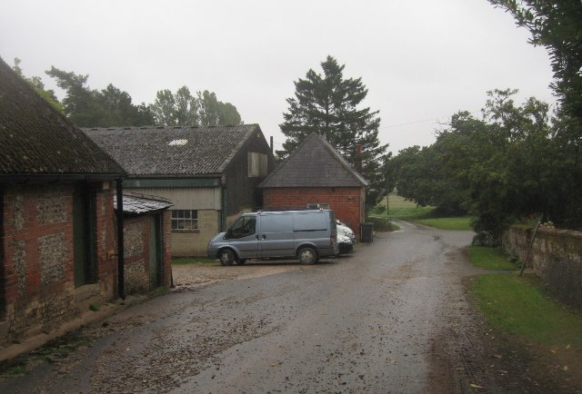 Wayfarer's Walk through Freemantle Farm