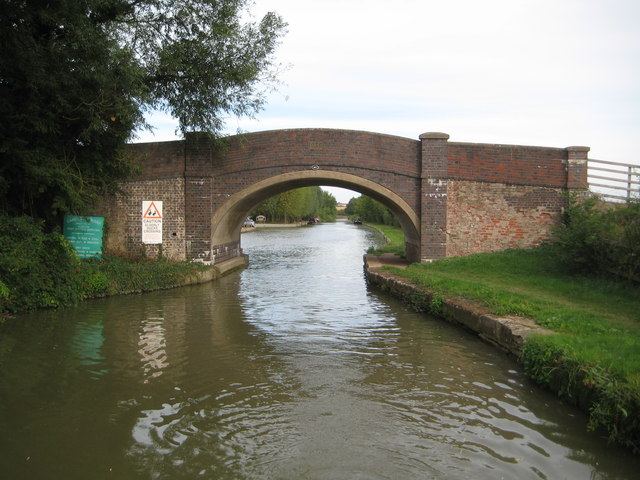 Grand Union Canal: Bridge Number 60