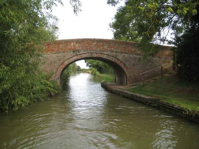 Grand Union Canal: Bridge Number 63