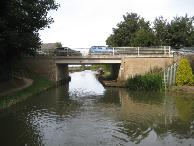Grand Union Canal: Bridge Number 64