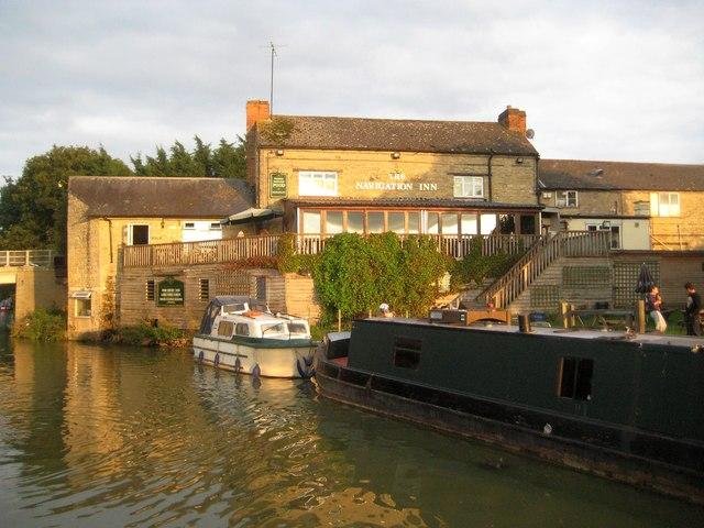 Cosgrove: The Navigation Inn at Thrupp Wharf