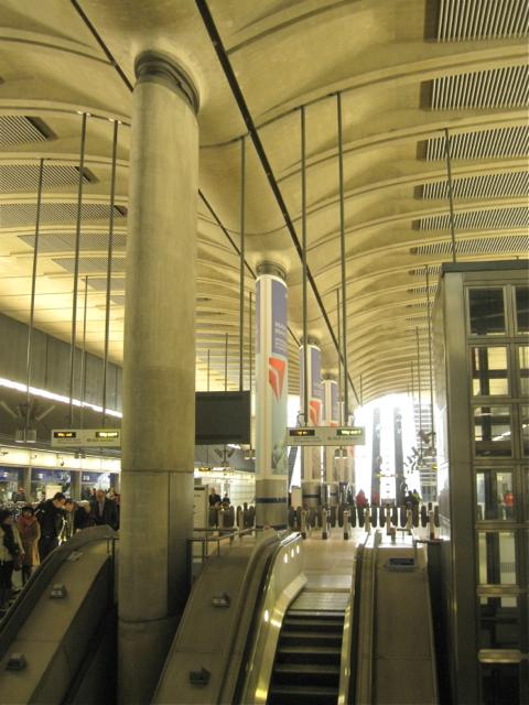Canary Wharf, Jubilee Line station concourse