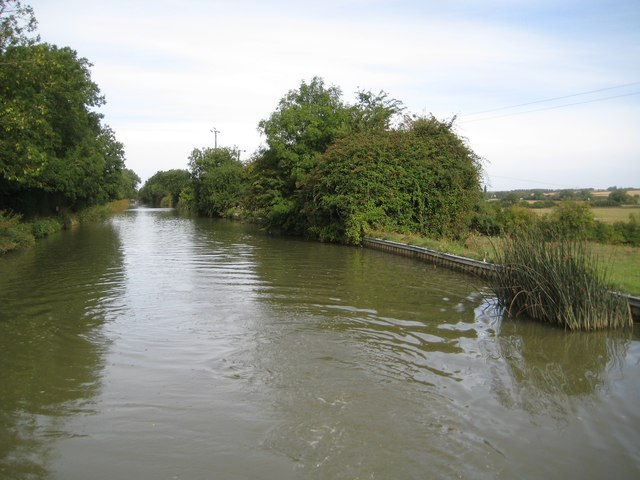 Grand Union Canal: Reach in Cosgrove