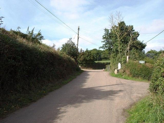 Minor road past Sexton's Farm