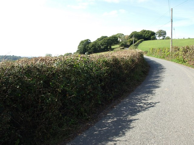 The lane leading to Perridge Cross