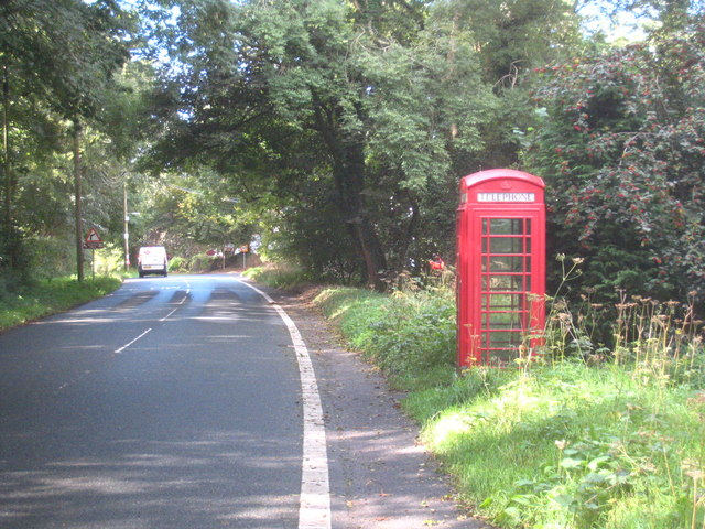 Telephone kiosk at Crapstone