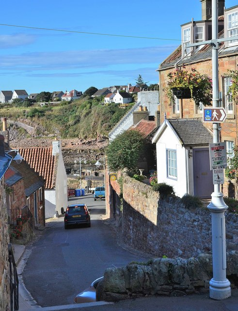 A lane to the harbour, Crail