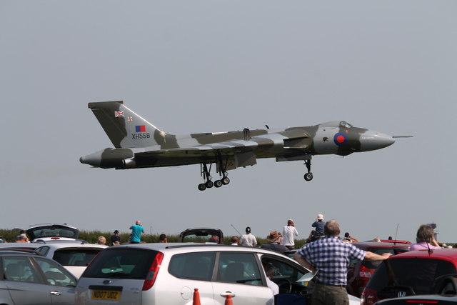 Vulcan XH558 arriving at Waddington