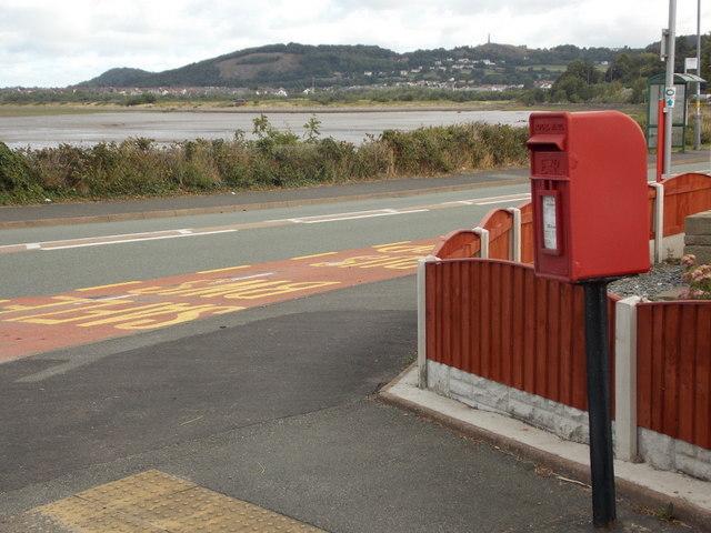 Llansanffraid Glan Conwy: postbox № LL28 80, Llanrwst Road