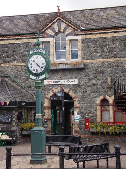 Betws-y-coed: railway station entrance