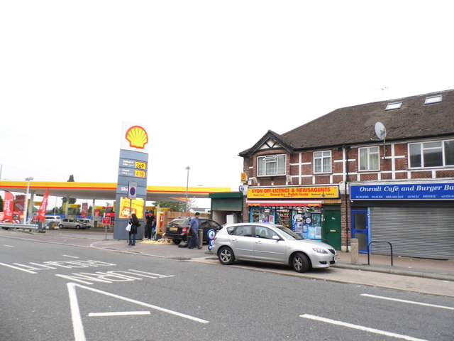 Shops and Shell Station on Syon Lane