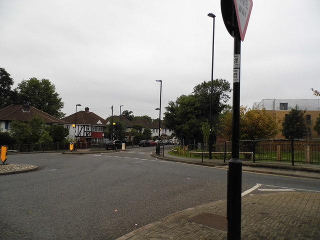 Mini roundabout at Tentelow Lane and Windmill Lane