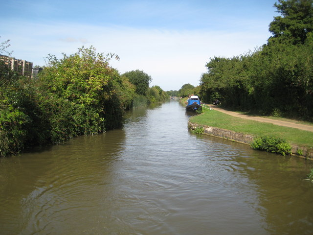 Grand Union Canal: Wolverton Aqueduct embankment