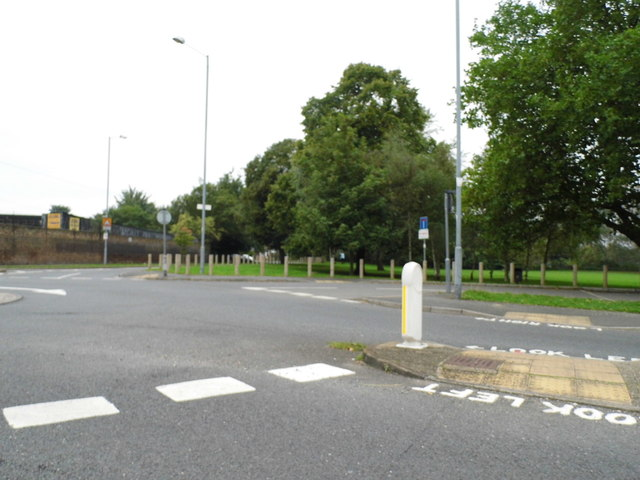 Roundabout at the end of Windmill Lane, Osterley