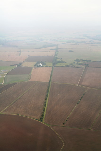 Disused railway trackbed across Farlesthorpe Fen: aerial