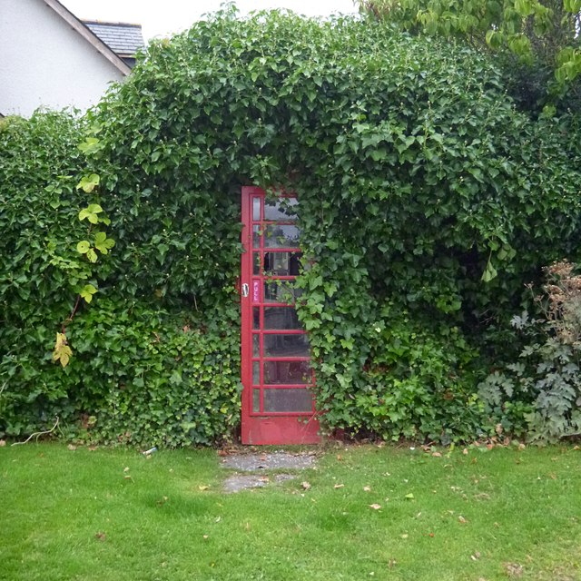 Telephone box in a hedge, Kirkhill