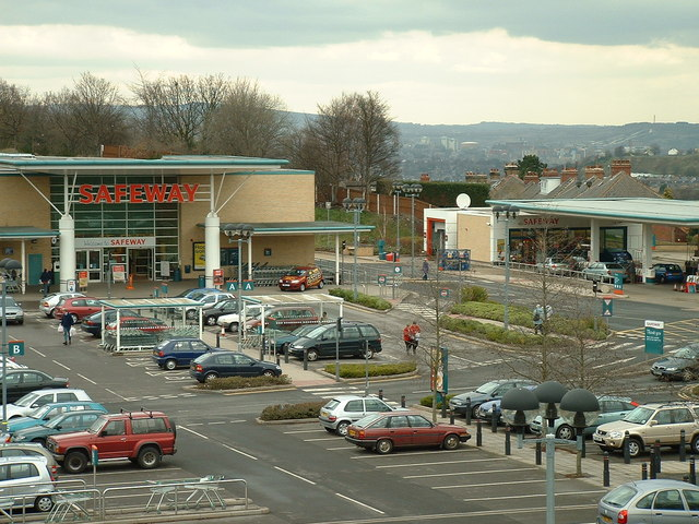 Safeway Supermarket at Meadowhead, Sheffield in 2004