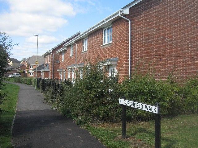 View along Burghfield Walk