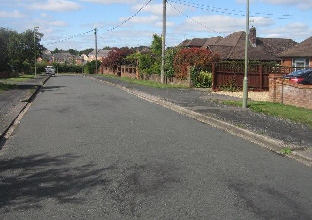 View along Highland Road