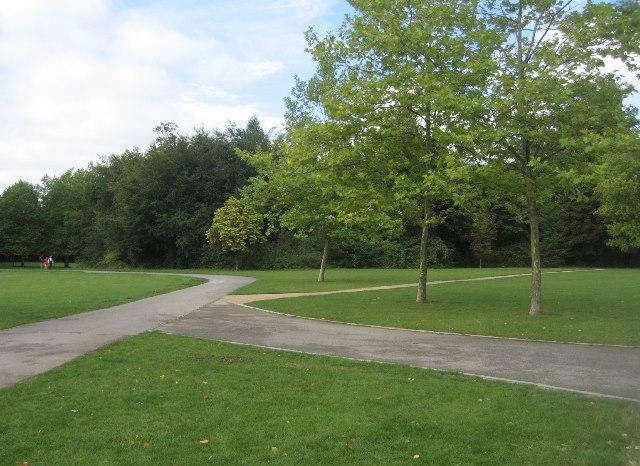 Paths in War Memorial Park
