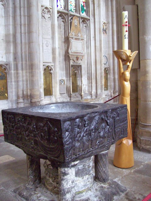 Winchester Cathedral, Font