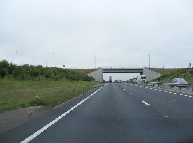 Approaching Tot Hill Bridge