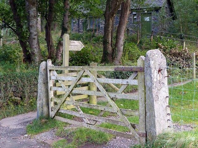 Footpath to Cockshot Wood