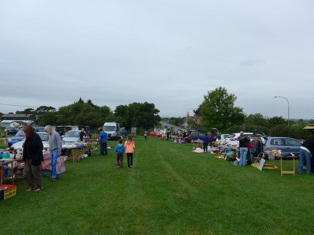 Car boot at Wootton (a)